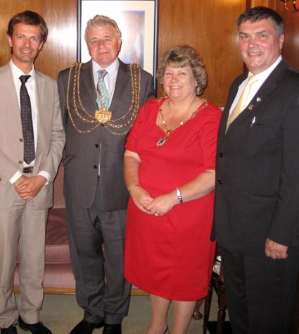 Avec James McKenna et James Spencer
